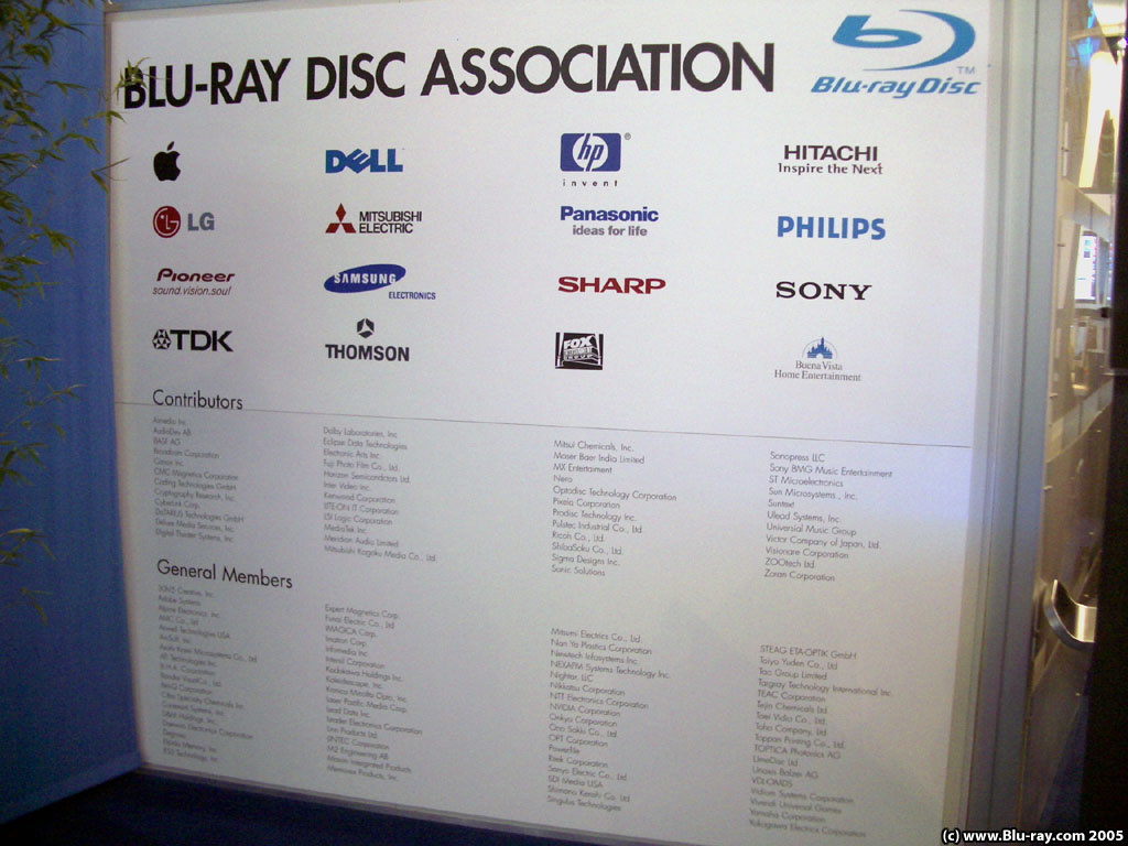 tons and Tons and TONS of Blu-ray pix/info from IFA 2005 in